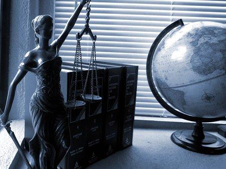 Collaboration avec le Réseau Wallon de Lutte contre la Pauvreté – Création d'un flyer informant les jeunes de leur droit à un avocat.
